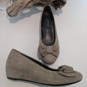 Paul Green suede wedge round toe bow Uk 5.5 us 8